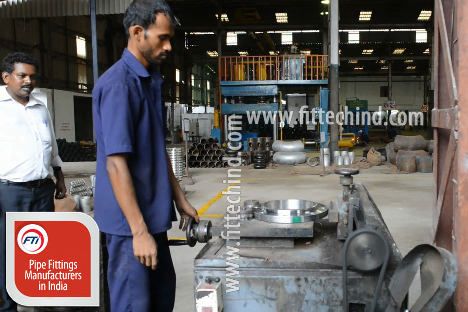 Industrial Pipe Fittings/ Flanges suppliers in Turkey